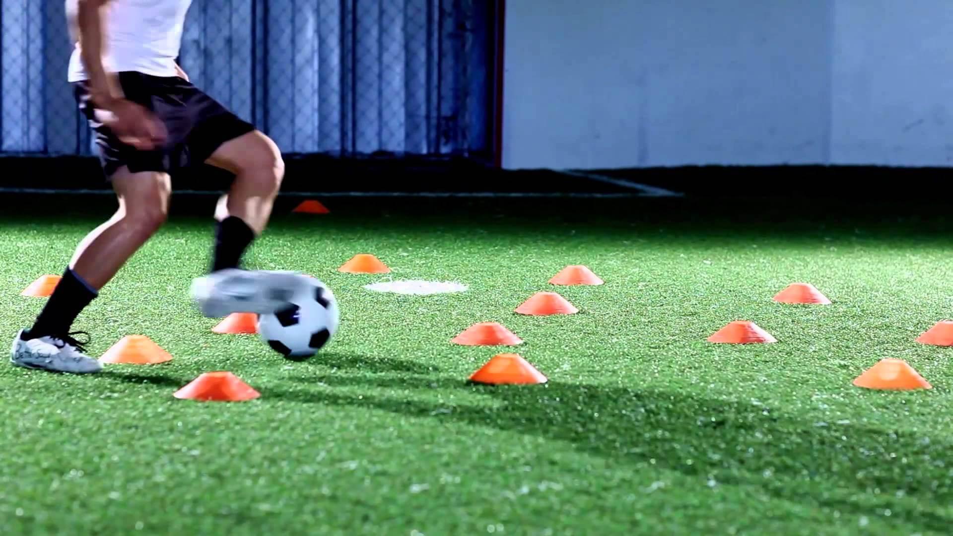 【論文紹介】異なるウォームアップ方法が,サッカー選手のペナルティーキック,ドリブル,スプリントのパフォーマンスに与える影響