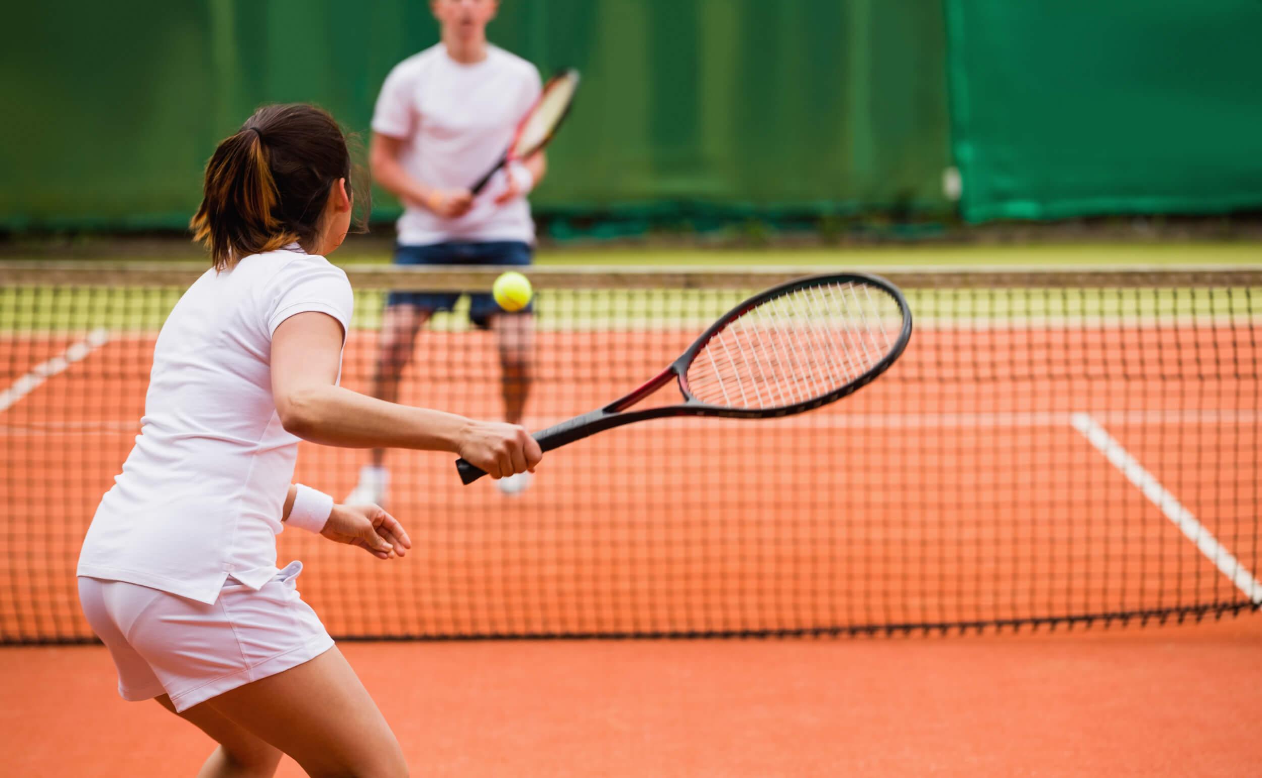 【論文紹介】スタティック or ダイナミックストレッチングを組み込んだウォームアップルーティーンがエリートジュニアテニスプレイヤーの競技特異的パフォーマンスに与える影響