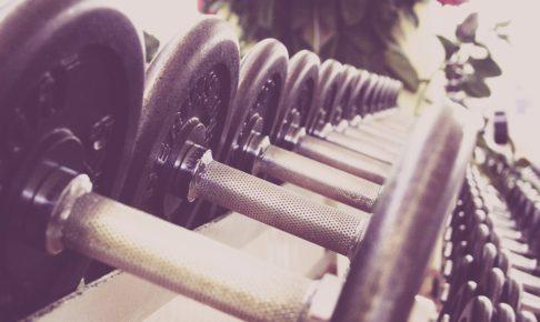 筋トレ前の静的ストレッチが筋肥大、筋力、柔軟性に与える影響