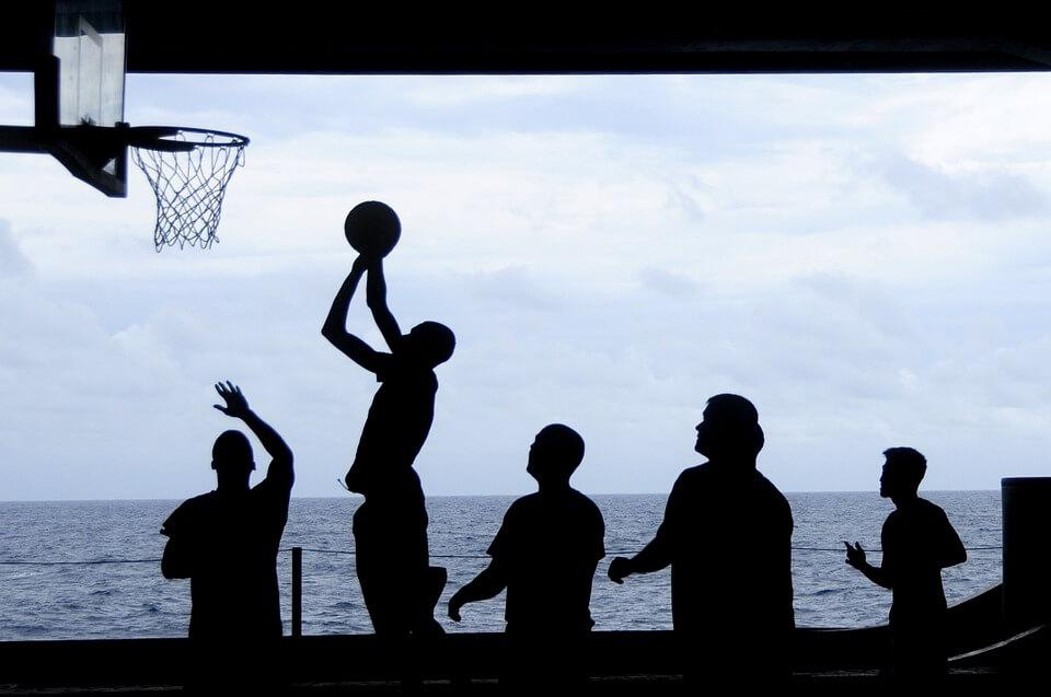バリスティックストレッチがバスケットボールのジャンプパフォーマンスに与える影響