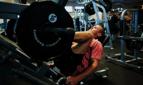 静的・PNFストレッチ・特異的ウォームアップが筋力に与える影響